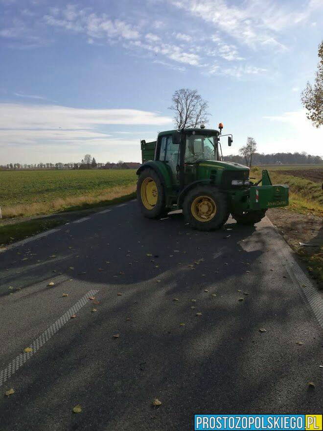 wypadek traktora z osobówką, auto z traktorem, koliza z traktorem,wyprzedzł traktor, auto w rowie, traktor wypadek, traktor kolizaj, opolskie, info opole, z opola, z opolskiego,.