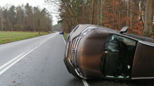 wypadeki, wypadki dorgowe, kolizje drogowe, nagrania z wypadków, nagrania kolizji, polscy kierowy, kierowcy na drodze, wypadki opolskie,
