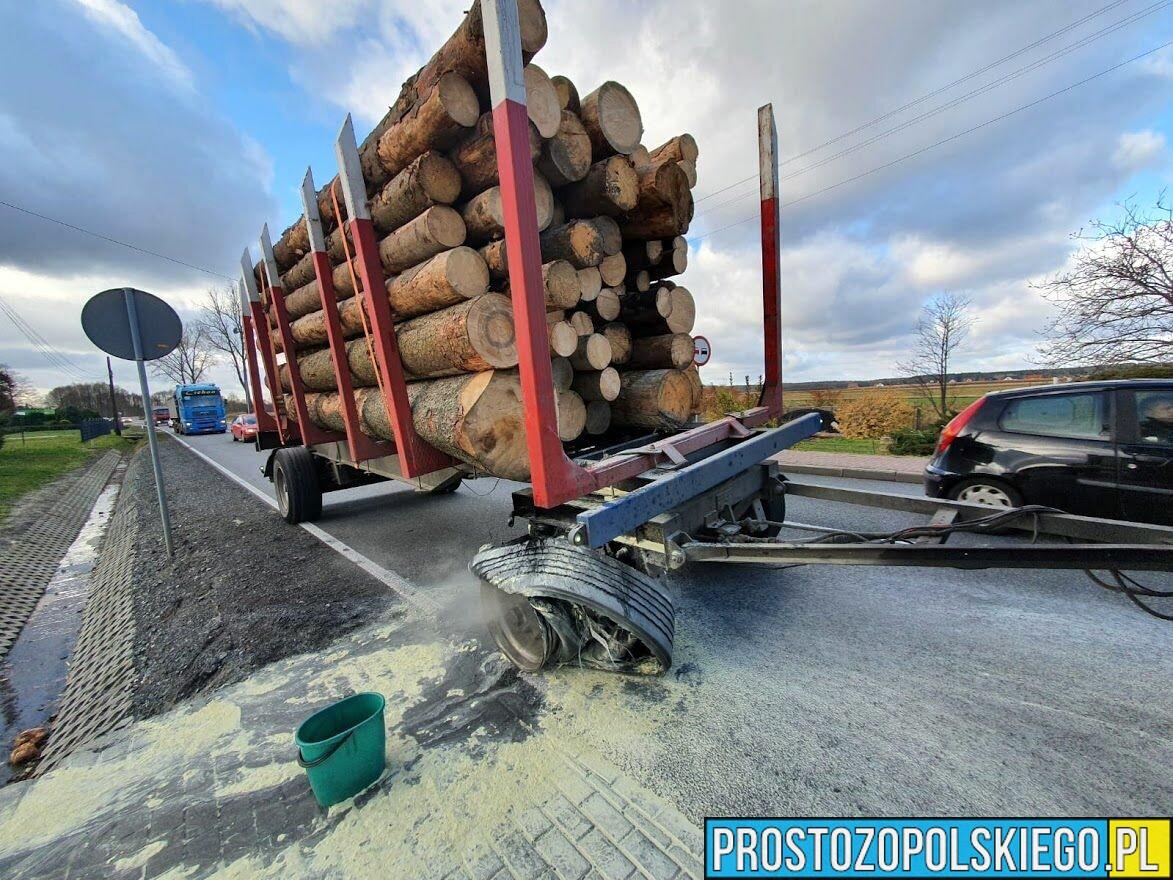 eksplozja opony, wybuch opony, rozerwanie opony, jełowa, tir, przewóz drzewa, przewóz kłody, zapalnie opony, wybuchła opona, uszkodziła samochód,