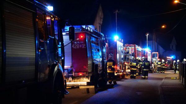 pożar, pożar domu, palił sie dom, spalił sie dom, straż pożar, gaszenie domu, dom w ogniu, spalony dom, osp, psp, opolskie, prostozopolskiego, ratownictwo,