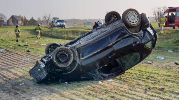 wypadek ujazd, wypadek olszowa, wypadek zimna wódka, wypadek w strefie ekonomicznej, kk, wypadek komorniki, dachowanie, kierowca wypadł z auta,