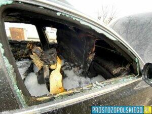 pożar vw chabry, pożar na chabrach, pożar samochodu w opolu, spalone auto chabry, wiadomości opole, wiadomości opolskie,