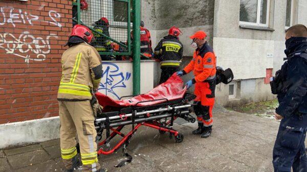 winda spadła, zerwana winda w Opolu, wypadek, urwana winda, winda spadła z 10 piętra, spadła winda z człowiekiem, wypadek z oberwaną windą, zewrana winda w Opolu,