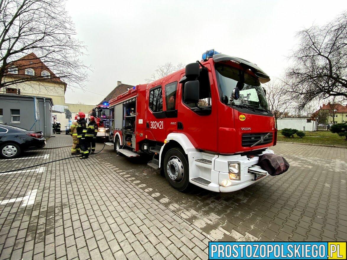 Ogień w Szpitalu Wojewódzkim w Opolu, pożar w szpitalu, ogonień w szpitalu, dym w szpitalu gasili szpital, ewakuacja szpitala, szpital w ogniu, straż w szpitalu, Ogień w Szpitalu Wojewódzkim w Opolu