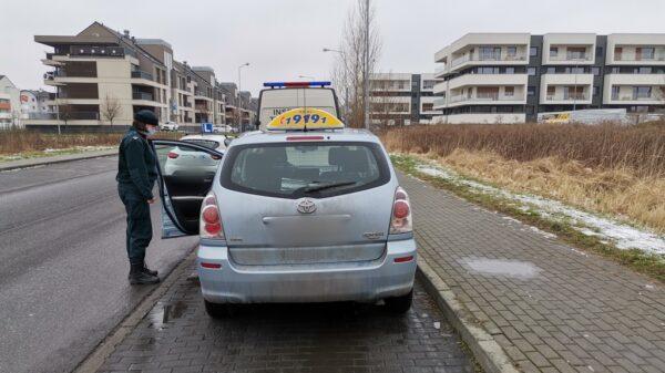 Nielegalne taksówki w Opolu i Prudniku.ielegalna taksówka, kontrole taksówek, policyjne kontrole taxi, taxi bez uprawnień, Nielegalne taksówki w Opolu i Prudniku.
