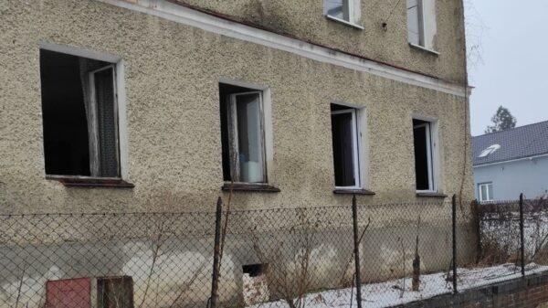 Pożar w budynku w Kietrzu. W jednym z pokoi znaleźli ciało 64-letniego mężczyzny.