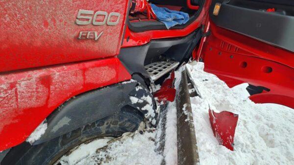 trudnie warunki na drogach, trudne warunki na autostradzie, autostrada A4, błoto śniegowe, korki na grogach, wypadki na drogach,