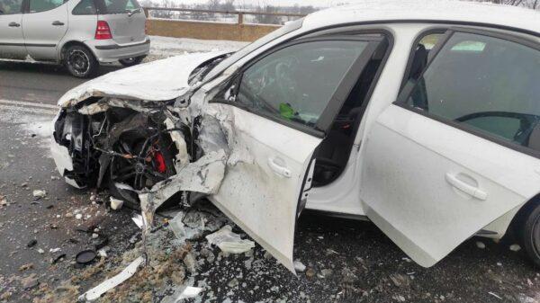 Do zderzenia doszło około godziny 10.40 na obwodnicy Opola na wiadukcie koło Makro.