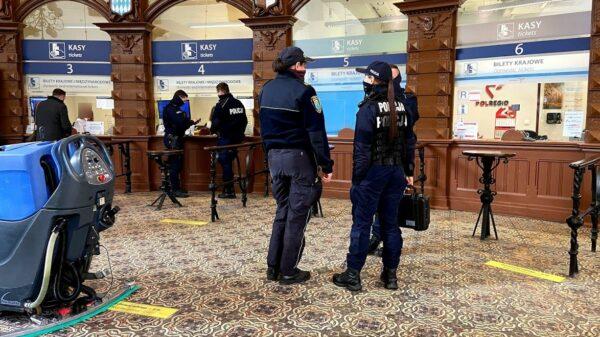 Interwencja opolskich policjantów na dworcu głównym w Opolu. Co się wydarzyło ? ...