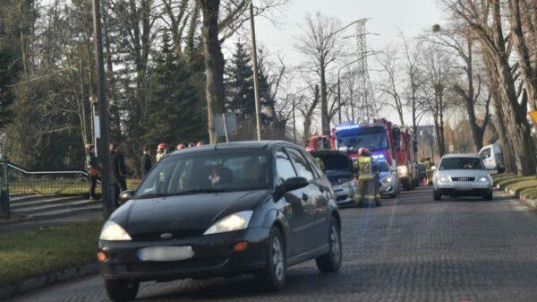 wypadek, wypadek w brzegu, brzeg wypadek, zderzenie 3 samochodów, wypadek 3 aut, zderzenie 3 samochodów, w brzegu, policja brzeg, prostozopolskiego.pl,