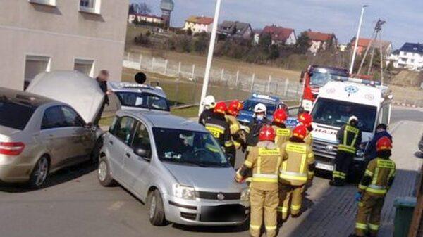 Zderzenie mercedesa z fiatem w Głogówku.(Zdjęcia)