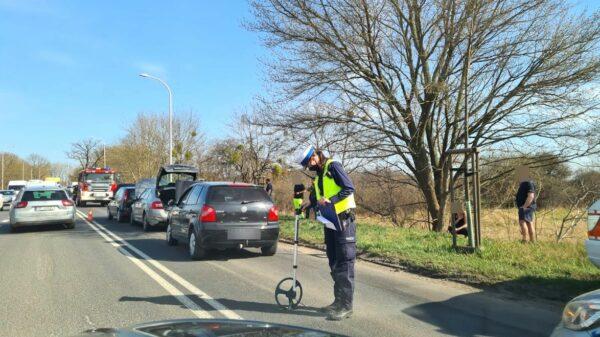 Zderzenie trzech samochodów na ul. Wrocławskiej w Opolu.(Zdjęcia)