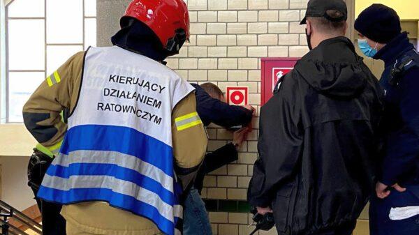 10-latek włączył ROP na dworcu głównym w Opolu. Na miejsce zadysponowano 4 zastępów straży i patrol policji.
