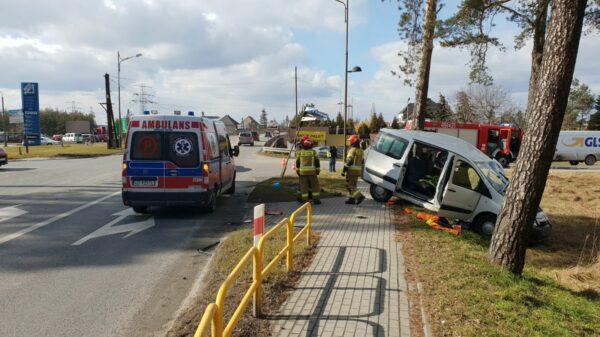 Wypadek na drodze krajowej nr 94. Trzej obywatele Ukrainy ranni w tym jeden z coronavirusem.