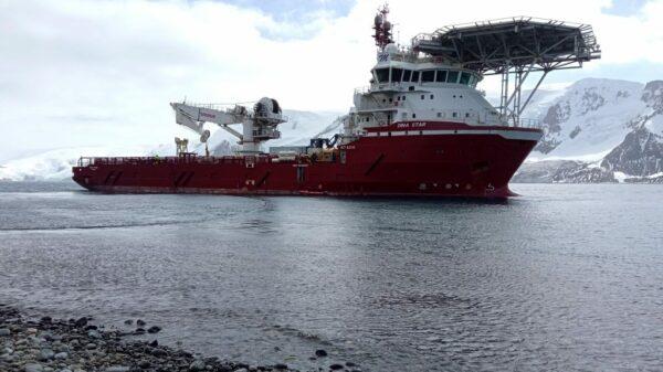 Student PO uczestniczy w modernizacji stacji antarktycznej