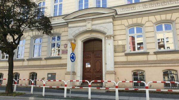 W Brzegu zmarła 49-letnia nauczycielka. Czy ma to związek z przyjęciem szczepionki?