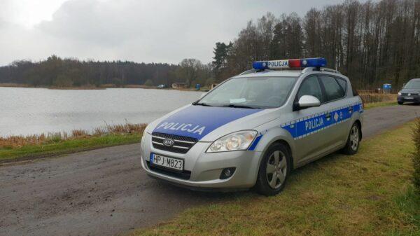 Ze stawu w Centawie w gminie Jemielnica wyłowiono ciało mężczyzny.