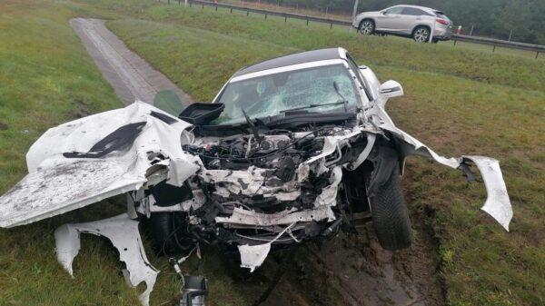 Wypadek na autostradzie A4.Sportowy mercedes doszczętnie zniszczony.(Zdjęcia)