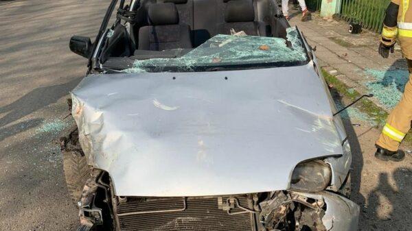 27-letni kierowca mający ponad 3 promile alkoholu, swoją jazdę zakończył na ogrodzeniu jednej z posesji.(Zdjęcia)