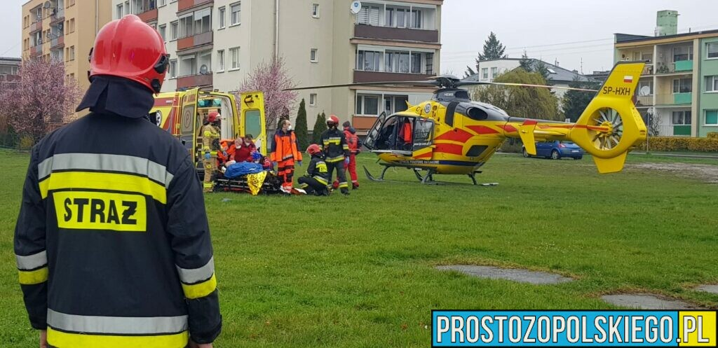 Mężczyzna z ramami kłutymi brzucha został przetransportowany LPR do szpitala w Opolu.(Zdjęcia&Wideo)