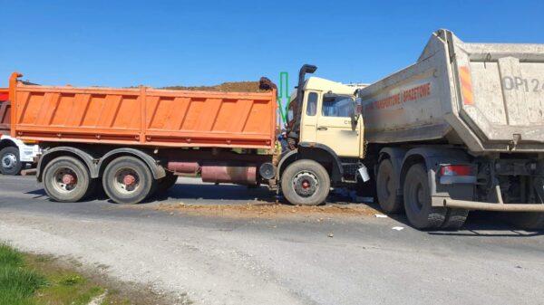 Zderzenie dwóch ciężarówek. Jak do tego doszło?