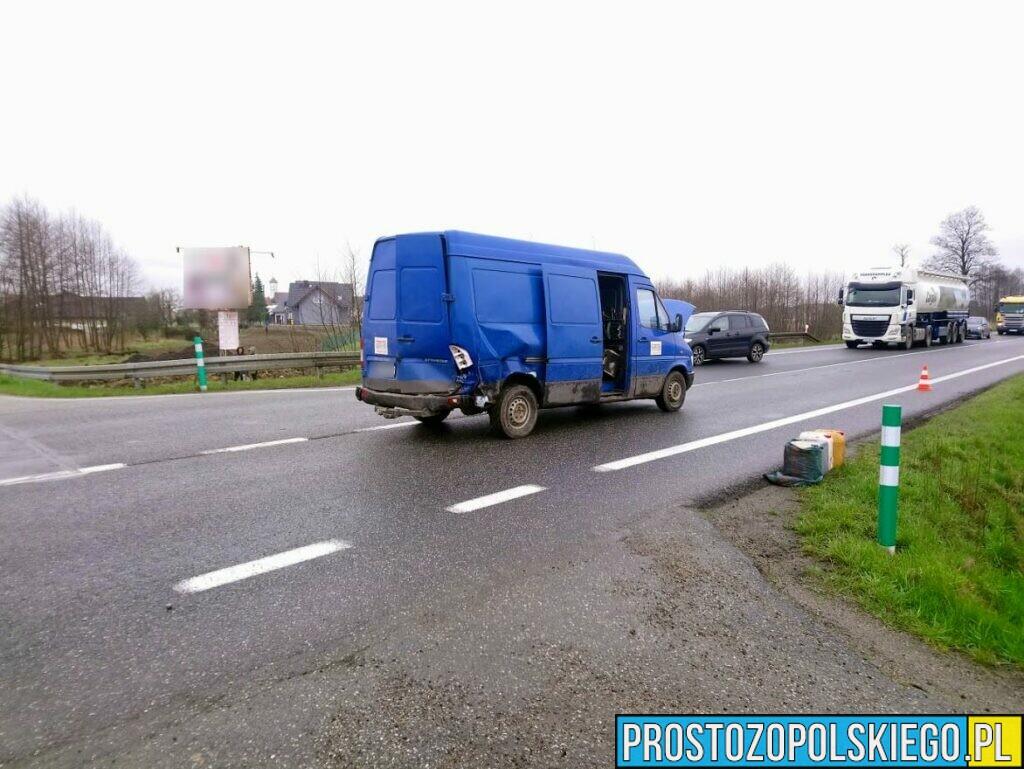 Wypadek busa i osobówki na obwodnicy Opola (Wrzoski)