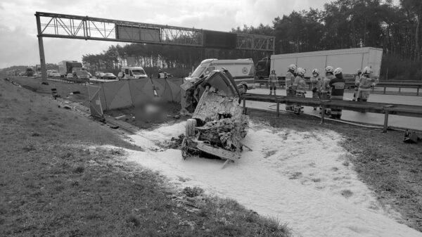 Wypadek śmiertelny na autostradzie A4.Nie żyje dziecko. Autostrada zablokowana w kierunku Wrocławia.