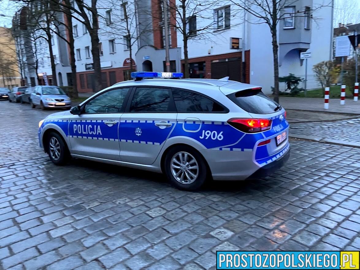 Dzięki szybkiej reakcji mieszkańców i policji uratowano życie mężczyźnie w Kędzierzynie Koźlu.