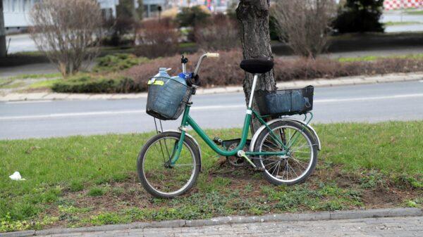 43-latek został zatrzymany dzięki czujności sąsiadów. Ukradł rower i próbował go sprzedać kilka domów dalej.