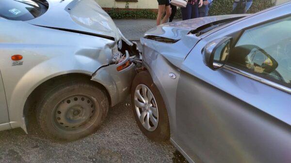 Zderzenie dwóch samochodów w Kępie koło Opola.