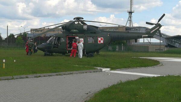Lądowanie wojskowego śmigłowca LPR-u w USK w Opolu.