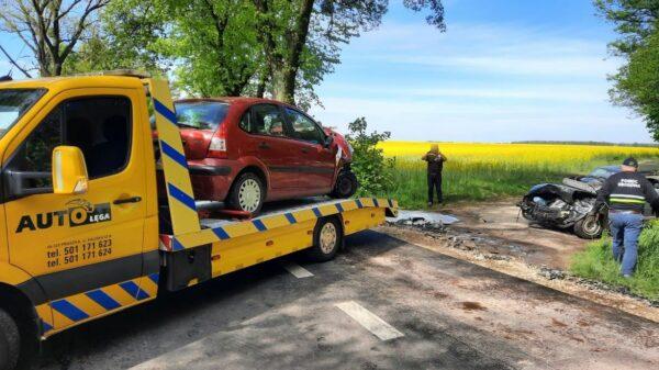 Zderzenie trzech samochodów w miejscowości Biskupice (Powiat Oleski).3 osoby zostały poszkodowane.(Zdjęcia)