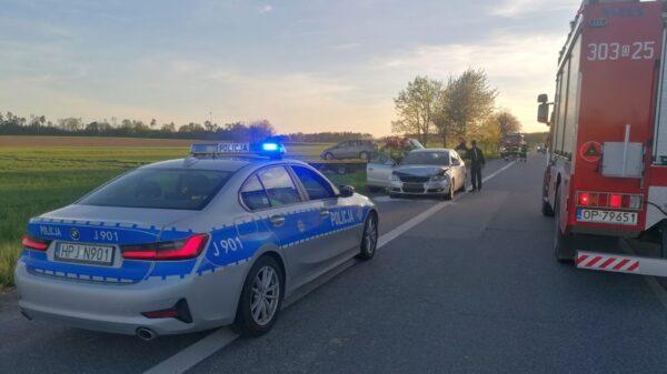 Zderzenie aut na dk46 Opole - Nysa na wysokości wsi Grabin .(Zdjęcia)