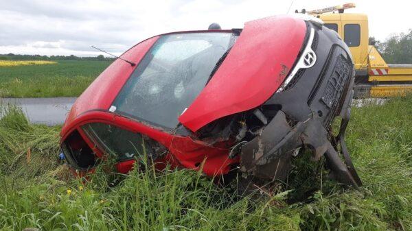 Zderzenie dwóch aut w Hajdukach Nyskich.(Zdjęcia)