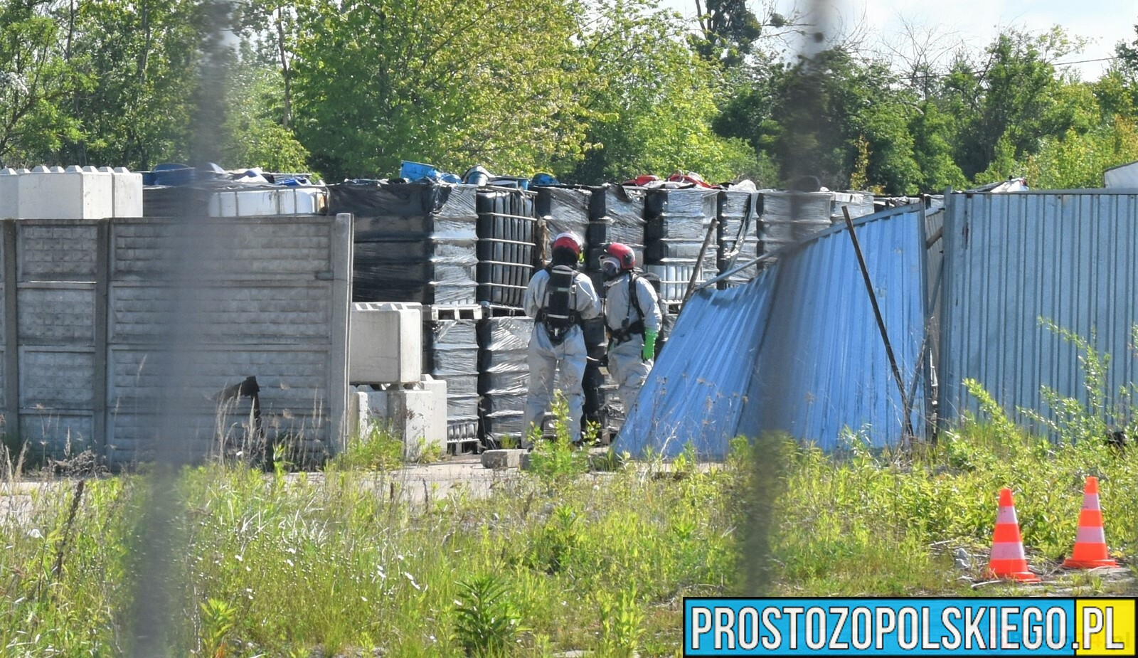 Nielegalne składowisko odpadów w Skarbimierzu-Osiedle.(Zdjęcia)
