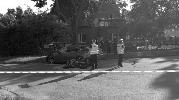 Zderzenie motocyklisty z autem. Nie żyje 39-latek.(Zdjęcia)