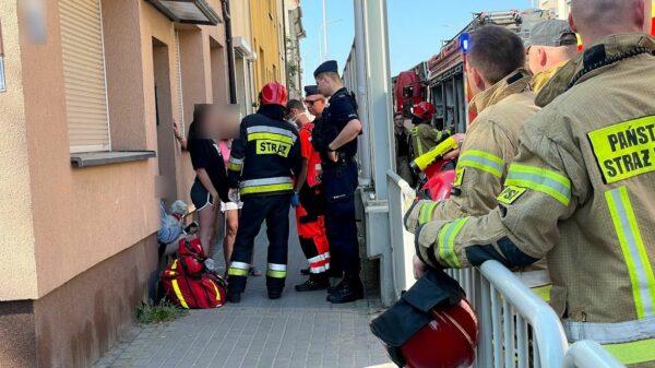 Pożar oleju w mieszkaniu, 14-latka zachowała zimną krew.