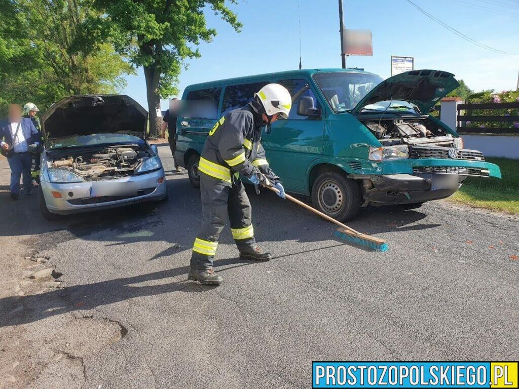 Zderzenie 2 aut w Jełowej w kierunku na Stare Budkowice.