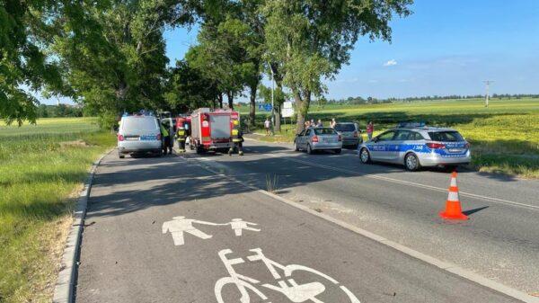 Potrącona 18-latka jadąca rowerem na obwodnicy Białej. LPR Ratownik23 poszkodowaną zabrał do szpitala w Opolu.