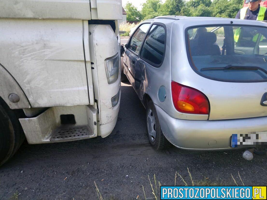 Tir pchał 50 metrów forda na obwodnicy Opola.(Zdjęcia)