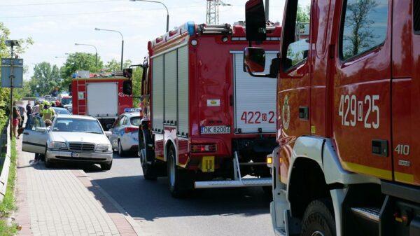 Karambol na ulicy Wyspiańskiego w Kędzierzynie Koźlu . Kobieta trafiła do szpitala.(Zdjęcia)