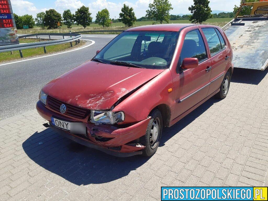 Wypadek dwóch volkswagenów na DK 46. Jedna osoba ranna.