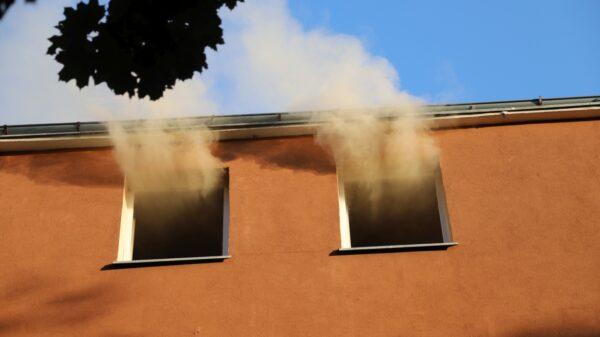 Pożar mieszkania na osiedlu Dambonia w Opolu.