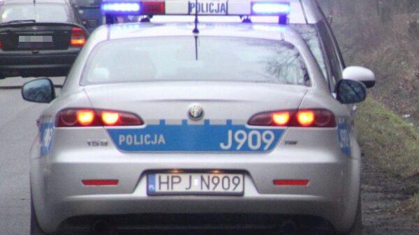 Policjant po służbie przerwał jazdę pijanego kierowcy, który miał ponad 2 promile i 2 sądowe zakazy na prowadzenia pojazdów mechanicznych.