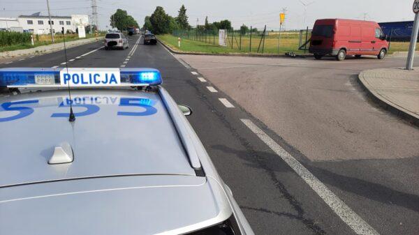 Bus potrącił rowerzystę na DW451 w Namysłowie.(Zdjęcia)
