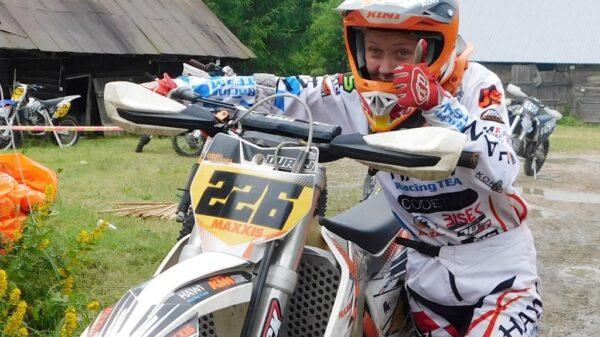 Bardzo dobry start młodych motocyklistów opolskiego HAWI Racing Team w rajdzie enduro na Podlasiu