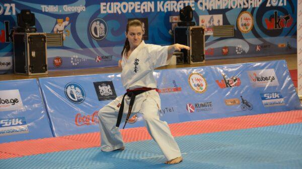 Zawodniczka Champion Klub Karate Kyokushin z medalem Mistrzostw Europy