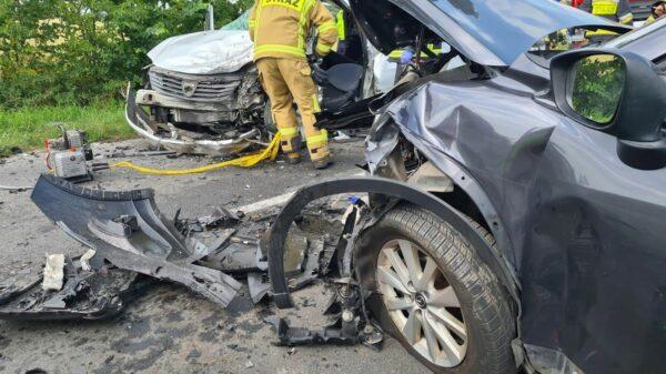 Wypadek na DW 458 pomiędzy Lewinem Brzeskim a Skorogoszczą. LPR zabrał poszkodowaną kobietę w ciąży do szpitala.