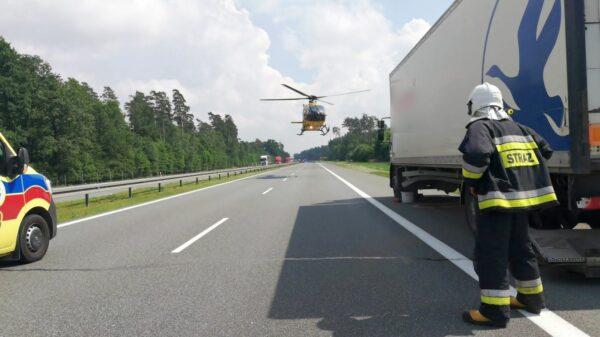 Wypadek na autostradzie A4.Kierujący z mazdy zasnął za kierownicą.(Zdjęcia)