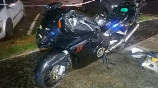 Policjanci z Brzegu wyjaśniają okoliczności śmiertelnego wypadku motocyklisty.